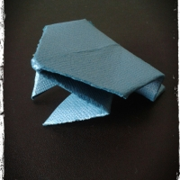 Origami Frog Game...quick to make, hours of fun!